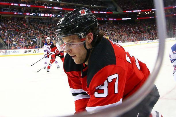 Pavel Zacha jatkaa NHL:ssä.