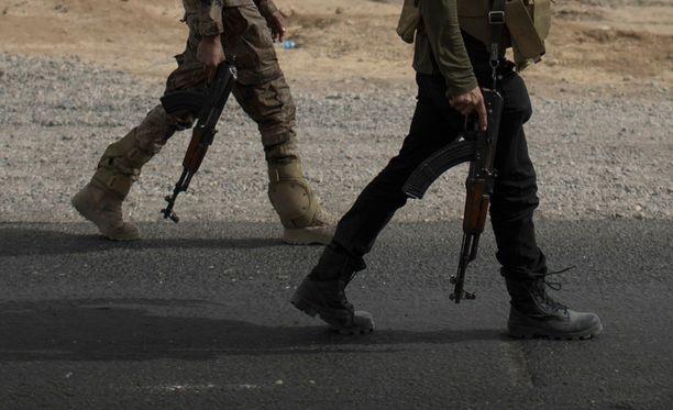 Kuvituskuva. Parikymppisten veljesten epäillään ampuneen aseettomia sotilaita.