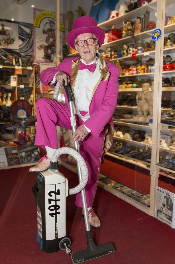 Tätä pölynimurimallia Eero Lehtinen kiersi myymässä suomalaisiin koteihin 1970-luvulla. Vuonna 1976 hän myi ovelta ovelle ennätykselliset 547 imuria: määrä riitti Suomen ennätykseen, joka on yhä rikkomatta.