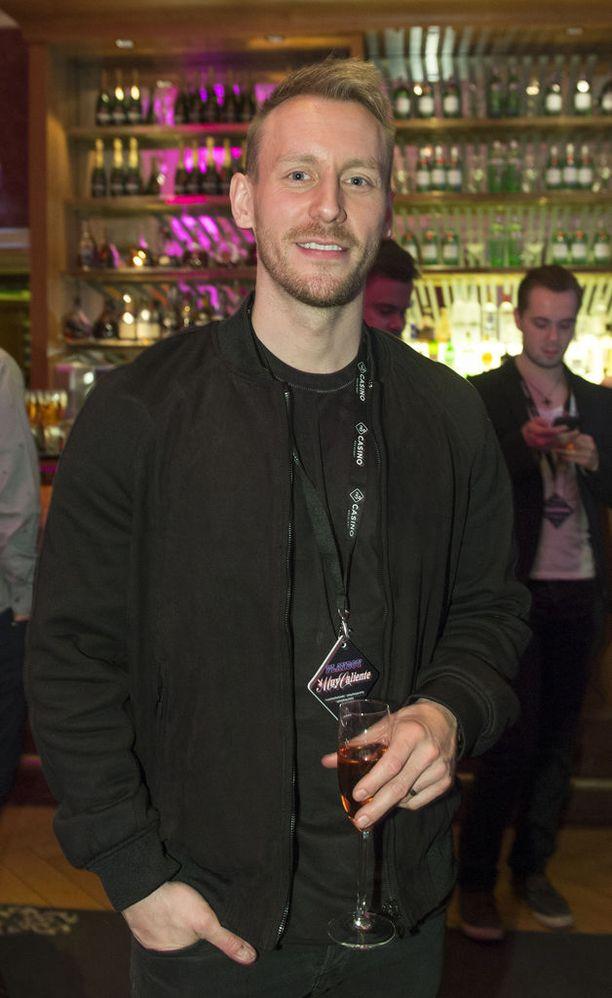 Niko Nousiainen päätyi Timon, 21, Tinder-profiilin kuvaksi.