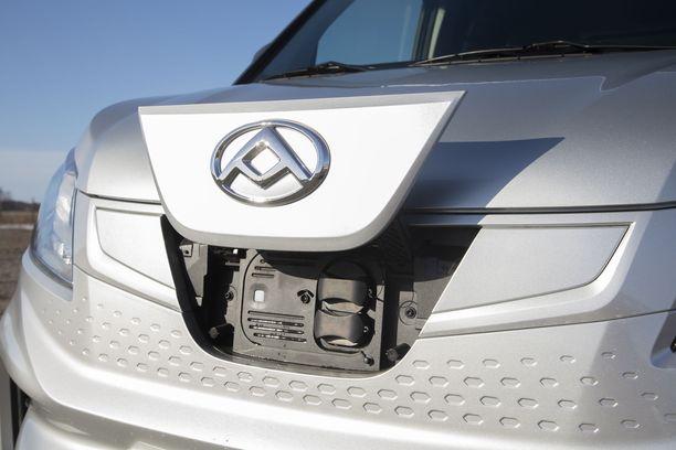 Erilaiset sähköautot yleistyvät nopeasti Suomessa. Kuvassa kiinalainen Maxus e-Deliver-3 -täyssähköauto, joka tuli Suomen markkinoille tammikuussa.