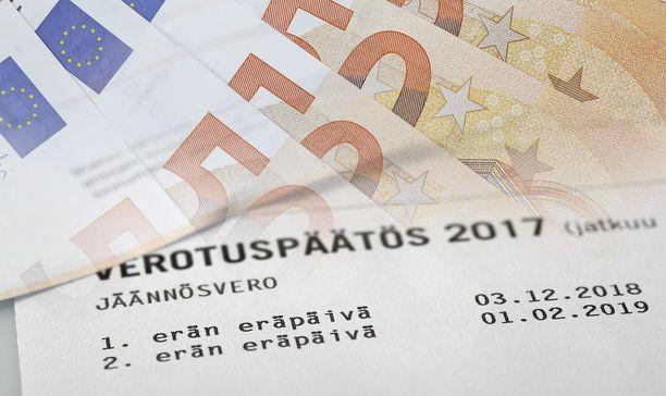 Ekonomisti Pasi Sorjosen mielestä ansiotulojen verotus on Suomessa liian kireaää.