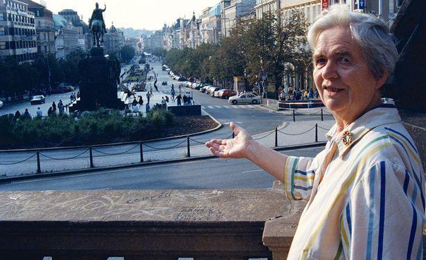 Lieko Zachovalová kuvattuna Prahassa vuonna 1998.