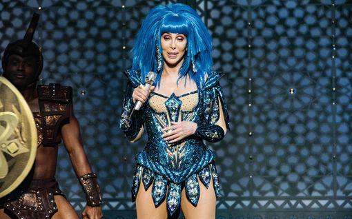 """Cher tviittasi George Floydista ja kohu oli valmis – pyytää nyt anteeksi: """"Olen todella pahoillani"""""""