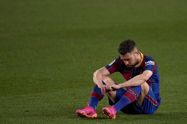 Jordi Alba istahti nurmelle puimaan tappiota.