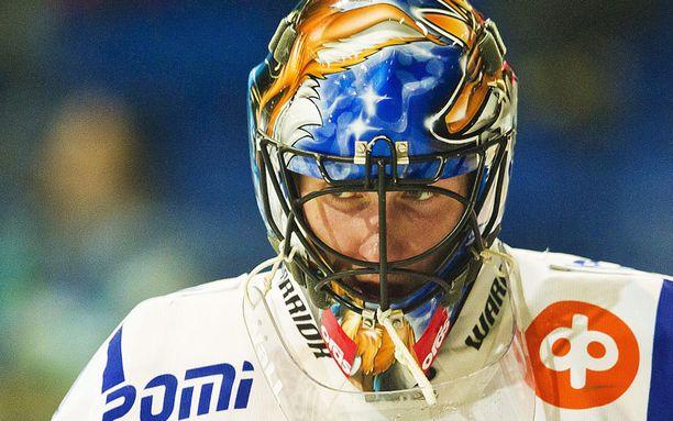 Pelikiellon vuoksi ensimmäisen puolivälierän väliin jättävä Mika Noronen torjuu Raumalla ensi kaudellakin.