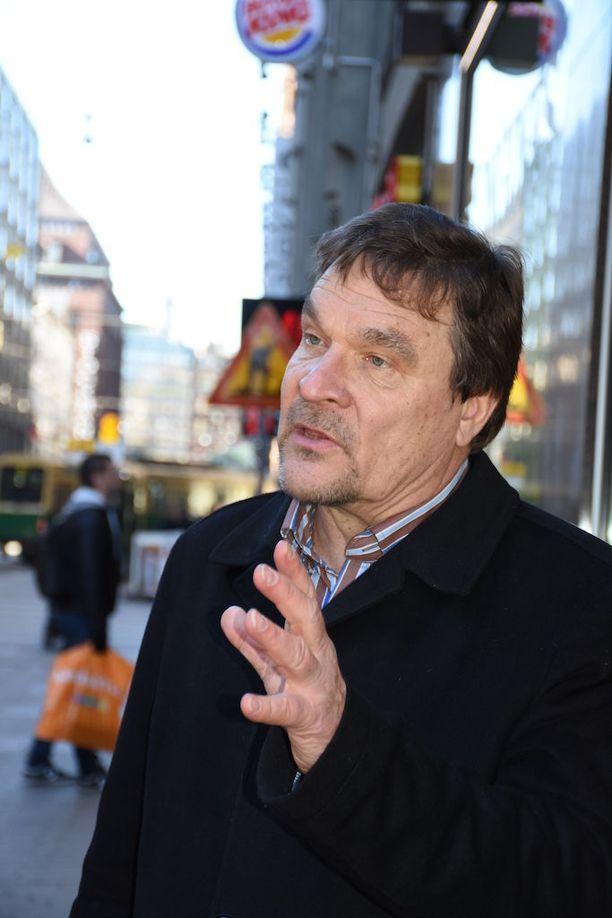 Kansalaisaloite on pitkälti henkilöitynyt entiseen SDP:n kansanedustajaan Kimmo Kiljuseen.