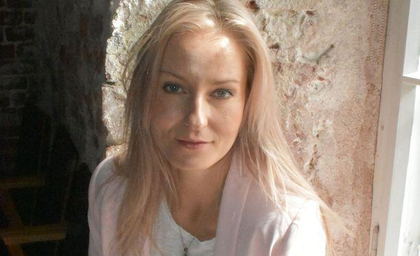 Mariska kertoo Ylellä valmistelevansa uutta levyä.