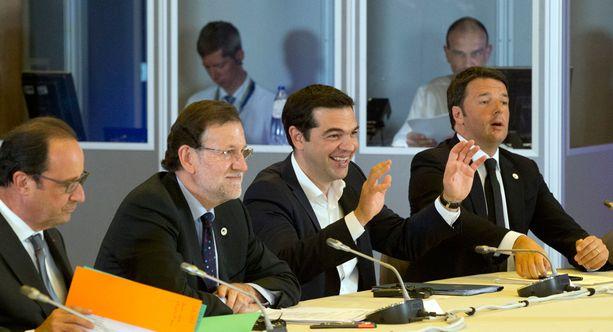 Kreikan pääministeri Alexis Tsipras (toinen oik.) ei esitellyt tämän päivän kokouksissa uusia ehdotuksia velkakriisin selättämiseksi.