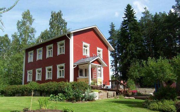 Vuonna 2010 rakennetussa talossa on 167,5 neliötä asuinpinta-alaa.