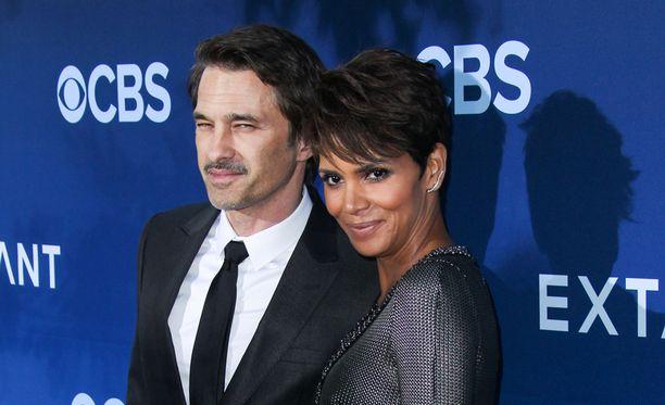 Olivier Martinez ja Halle Berry ovat olleet naimisissa kaksi vuotta.