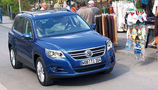 HAASTAJA. Tiguan haastaa kompakteilla mitoillaan ja täsmällisellä VW-muotoilulla.