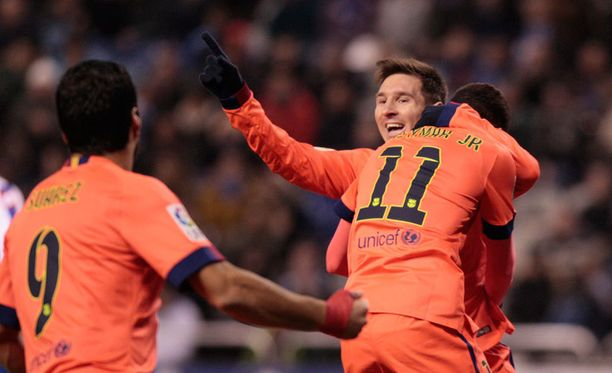 Lionel Messi kuritti Deportivoa kolmella osumalla.