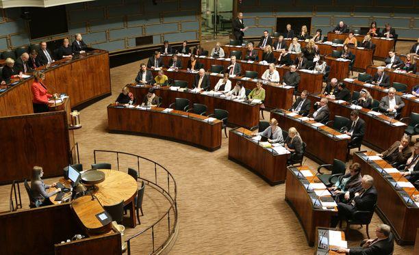 Eduskunta käy keskustelun alue- ja maaseutupolitiikasta.