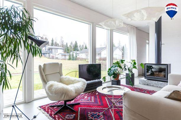 Lempäälän CLT-talossa on 126 neliötä ja hintaa reilut 300 000 euroa.