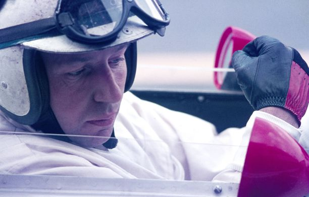 Viime vuonna kuollut John Surtees on toistaiseksi viimeisin kuski, joka on onnistunut voittamaan jäähyväiskisansa Ferrarilla.
