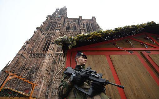 Pääkirjoitus: Joulutorin terrori-isku on myrkkyä luottamukselle