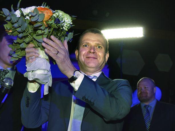 Kokoomuksen puheenjohtaja Petteri Orpo nosti esiin sen, että hallituksessa ollut kokoomus lisäsi edustajamääräänsä toisin kuin hallituskumppani keskusta.