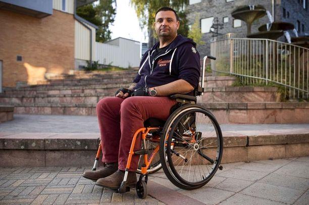 Zubier sai Turun Kauppatorin iskussa vakavia hermovaurioita, jotka ovat saattaneet hänet pyörätuoliin loppuiäksi.