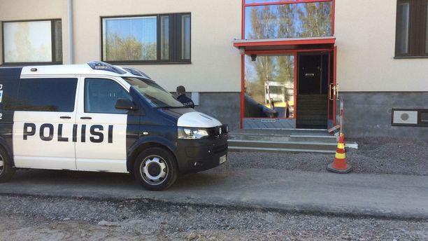 Poliisi ei ole kommentoinut tarkemmin perjantaisten tutkimusten tarkoitusta.