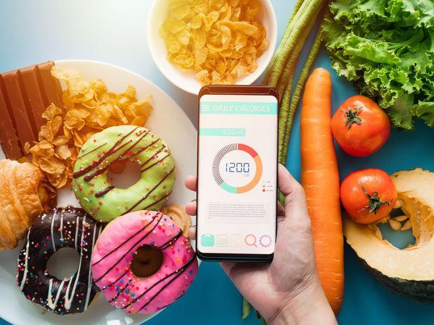 Rasva ei kerry kenellekään itsestään. Ruokavalioon on aina pidemmän aikaa kuulunut liian paljon kaloreita suhteessa kulutukseen.