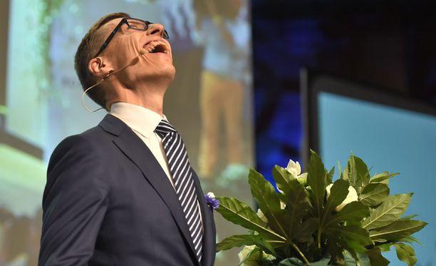 Pääministeri Stubb oli tuloksen ratkettua onnellinen mutta häkeltynyt mies.