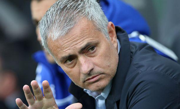 José Mourinhon Chelsean alkukausi on ollut katastrofaalinen Valioliigassa.