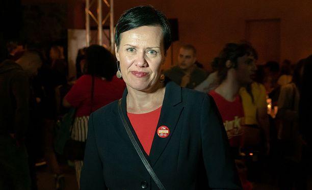 Kansanedustaja Maarit Feldt-Ranta pitää tärkeänä, että Ruotsin ja Suomen sosiaalidemokraatit tekevät tiivistä yhteistyötä. Sunnuntaina Feldt-Ranta osallistui sosiaalidemokraattien vaalivalvojaisiin Tukholmassa.