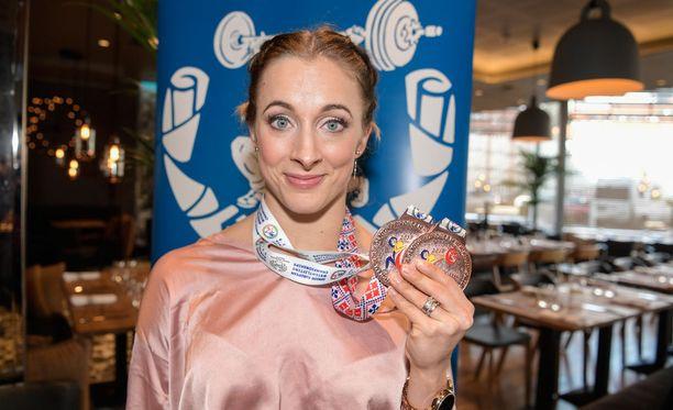 Anni Vuohijoki nappasi Suomen ensimmäiset painonnoston EM-mitalit 17 vuoteen.