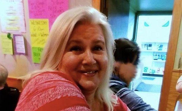 Lois Riess näyttää tavalliselta isoäidiltä, mutta on kylmäverinen tappaja.