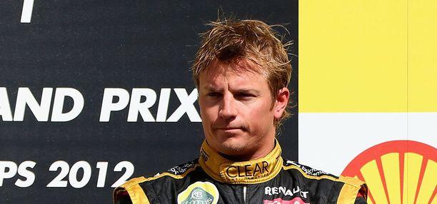Pari vuotta meni rallin parissa. Keväällä 2012 Räikkönen (oik.) palasi F1-sirkukseen – Lotus-kuskina.
