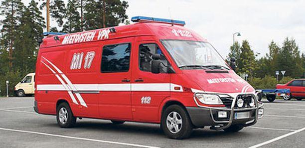 Tällä paloautolla humalainen vapaapalokuntalainen ajeli muun muassa Turun keskustassa hälytysvalot päällä.