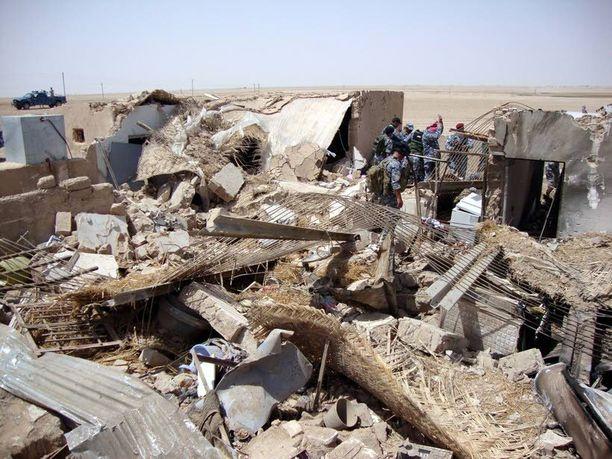TUHOISA ISKU Yhdysvaltojen johtamassa operaatiossa surmattiin kertaheitolla kaksi korkea-arvoisinta jihadistijohtajaa Tikritin lähellä 2010.