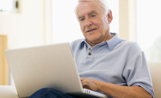 Verkkopalveluun voi kirjautua minä vuorokaudenaikana tahansa. Arvion pohjalta tietokone antaa kotihoito-ohjeet tai ohjaa vastaanotolle.