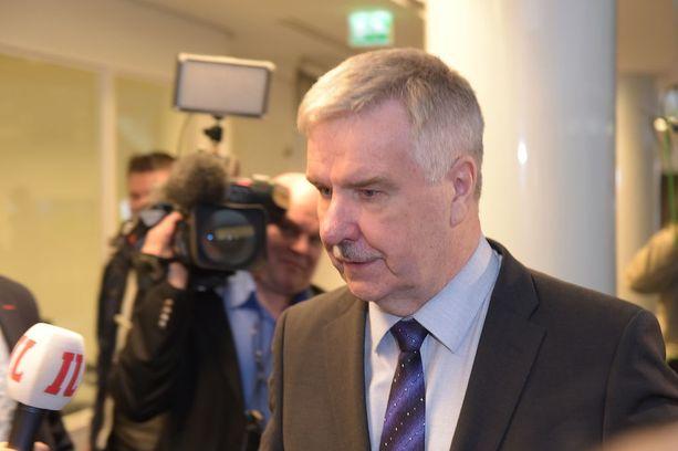 Ministeriksi valitun Sampo Terhon ryhmyripaikan perinyt Toimi Kankaanniemi aikoo pyytää perussuomalaisten kapinakansanedustajilta selvityksen.