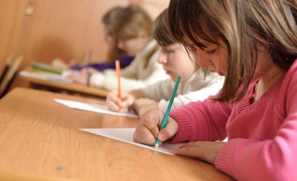 Lasten epäillään ymmärtäneen hyvinvvointikyselyn kysymykset väärin. Kuvan lapset eivät liity tapaukseen.