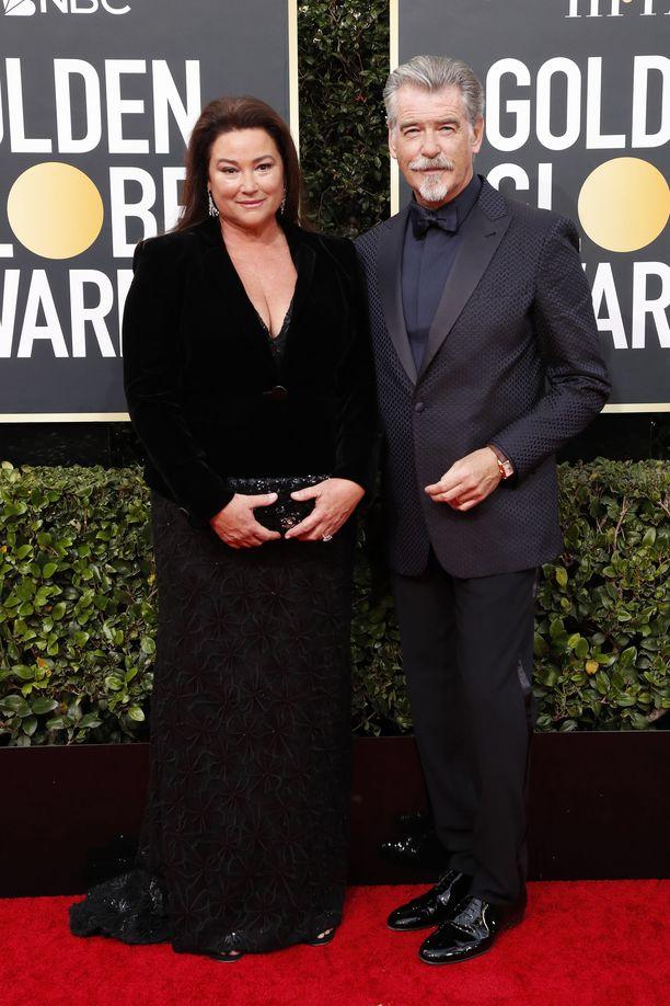 Ensimmäisen vaimonsa kuoleman jälkeen Pierce Brosnan löysi uuden onnen ja perusti perheen.