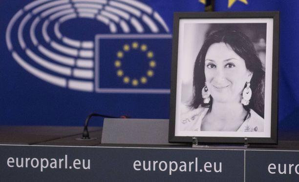 Murhattua Daphne Caruana Galiziaa muistettiin muun muassa Euroopan parlamentissa.