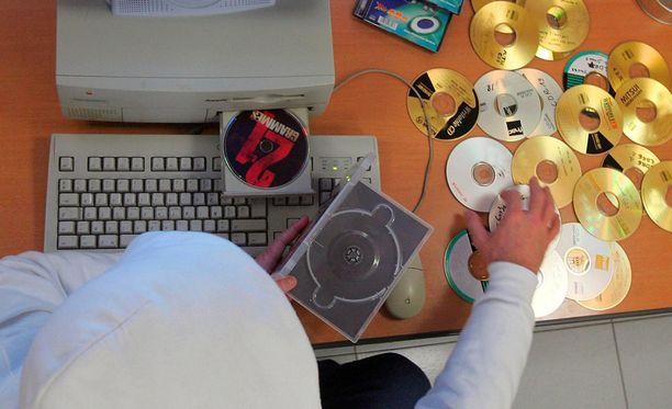 Finreactor-verkossa jaettiin tekijänoikeudella suojattuja musiikki- ,elokuva- peli ja ohjelmistotiedostoja.