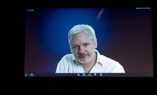 Julian Assangen mukaan Venäjä ei luovuttanut demokraattipuolueelta hakkeroituja tietoja Wikileaksille.