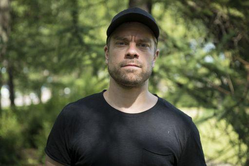 Joonas Saartamo on veljeksistä vanhin Turun kaupunginteatterin Seitsemässä veljeksessä.