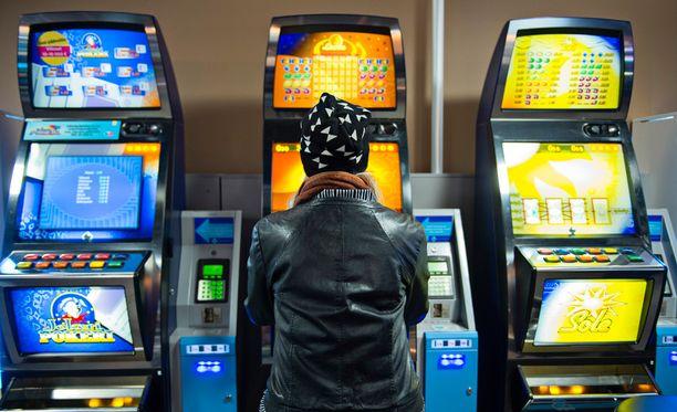 RAY:lla on muun muassa erilaisia raha-automaattipelejä.