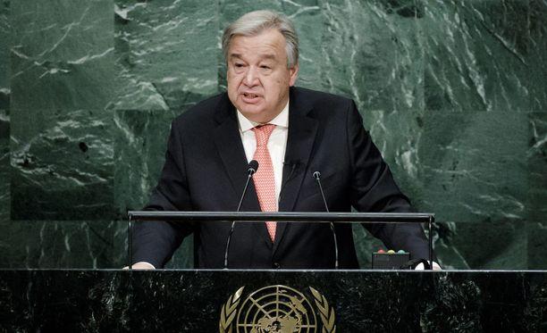 YK:n pääsihteeriksi nouseva Antonio Guterres sanoo haluavansa tavata Yhdysvaltain tulevan presidentin Donald Trumpin mahdollisimman pian.