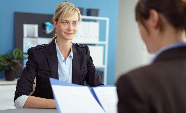 Työhaastattelussa on monia virheen tekemisen mahdollisuuksia.