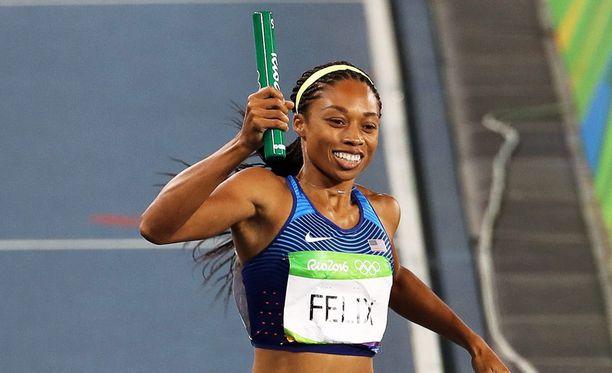 Allyson Felix palaa Riosta kotiin kolmen olympiamitalin kanssa.