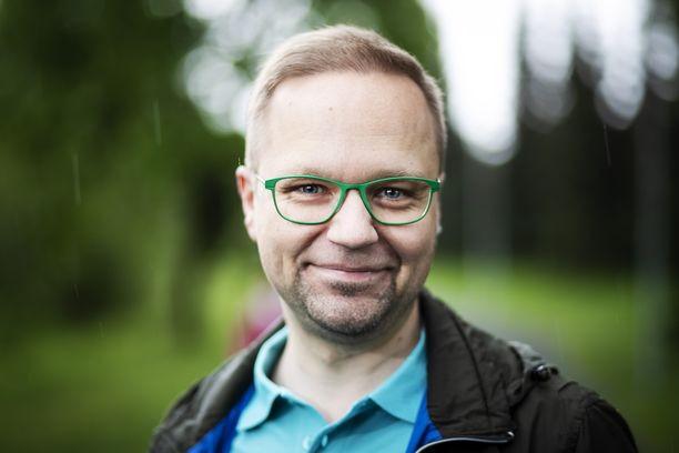 Olli-Poika Parviainen (vihr) on sisäministeri Maria Ohisalon (vihr) valtiosihteeri.