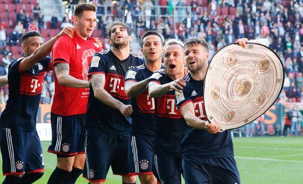 Bayern München juhli päättyneellä kaudella Bundesliigan mestaruutta jo kuudennen kerran peräkkäin.