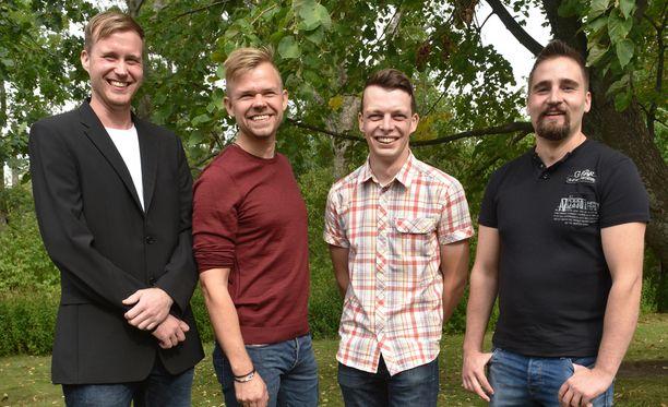 Tällä kaudella seurataan Tuomon, Maunon, Ilmarin ja Antti-Jussin kumppaninetsintää.