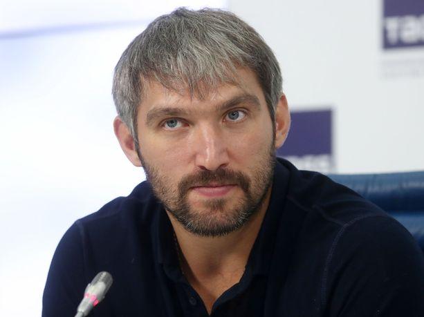 Aleksandr Ovetshkin piti Moskovassa TASSin järjestämän lehdistötilaisuuden liittyen omaa nimeään kantavaan junioriturnaukseen.