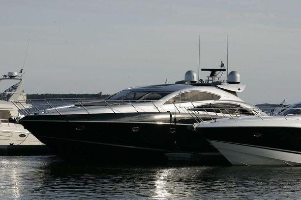 Kimi Räikkösen luksusvene on messevä näky.